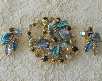 Beautiful Vintage Kramer Rhinestone Brooch with FREE Matching Earrings