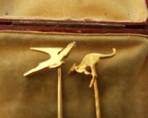 2 Vintage gold coloured tie pins            82