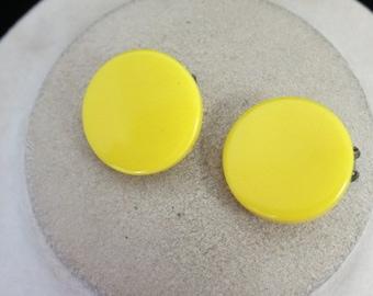 Vintage Plastic Yellow Clip Earirngs
