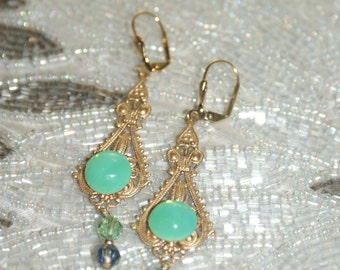 Fantastic Vintage Green Glass Earrings