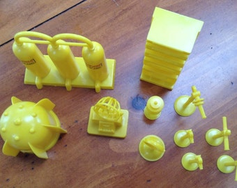 Marx Playset 4652 Operation Moon Base Yellow Accessories