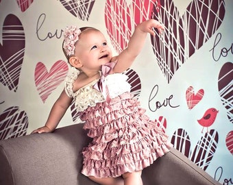4ft x 4ft Pink Heart Backdrop - Valentines Backdrop - Cheap Photo Backgrounds - Item 175