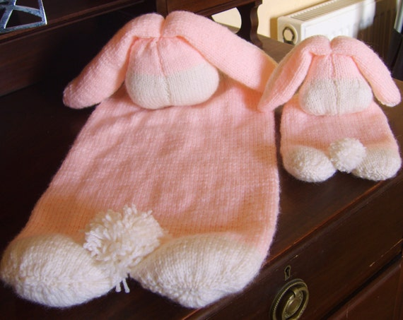 Knitting Pattern Cup Holder : KNITTING PATTERN - Rabbit Table Placemat and Cup Holder ...