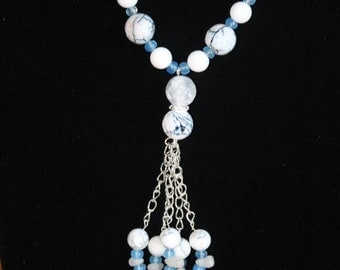 Blue/White Agate dangle necklace