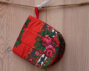 Oven Mitt, Ukrainian/Russian scarf floral ornaments,  Floral oven mitt, Potholder, Red, Floral pattern