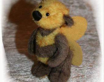 """Little bee """"Brummsie"""" , order your,  by Ah-hA BÄREN (artist bear)"""