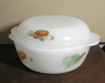 """Vintage French Arcopal """"legumes""""Cooking & Serving Dish with Lid Pyrex Glass"""