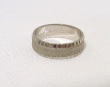Vintage Jewelry 18KT HGE Band Ring Size 8