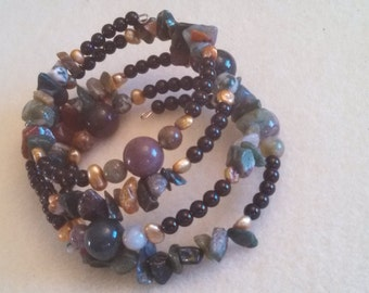 Indian agate beads freshwater pearls memory wire bracelet