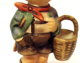 Hummel/Goebel Figurine,Village Boy 10cm no. 51 3/0