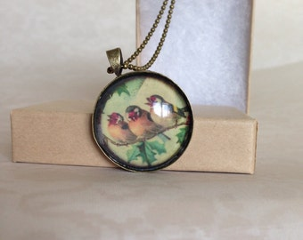 three bird picture pendant