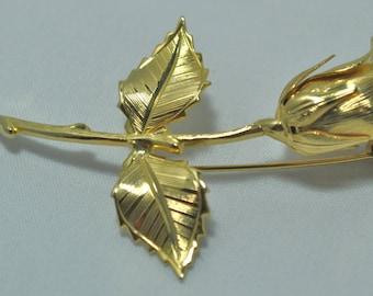 Beautiful vintage gold tone rose brooch.