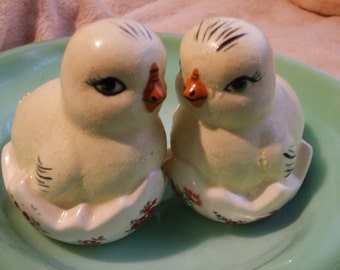 Chubby Chicks Are The Cutest!  Vintage Chick and Egg Easter Decor