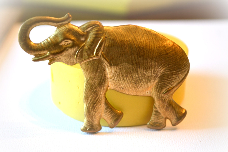 how to make a standing elephant cake