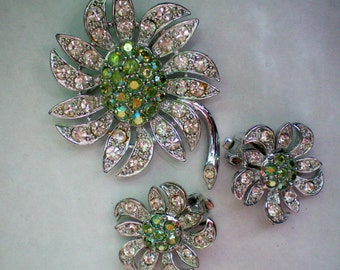 Sarah Coventry AB Flowers Brooch & Earrings - 3196