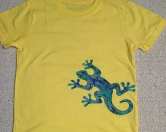 Boys Yellow Appliqué Batik Lizard T-shirt 6-7 years