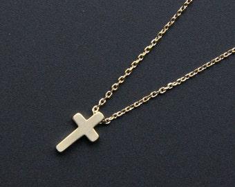 Small Gold Cross Pendant Necklace, Minimalist Gold Necklace, Everyday Jewelry, Wedding Jewelry, Bridemaids gifts, JEW000221