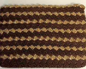 FREE  SHIPPING    1940's Crochet Clutch