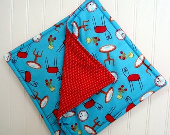 Red and Turquoise Potholders, Set of 2 Red and Turquoise Pot Holders, Red Turquoise Kitchen Decor, Retro Kitchen Decor, Fabric Potholders