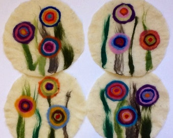 felt placemat with big flowers, white