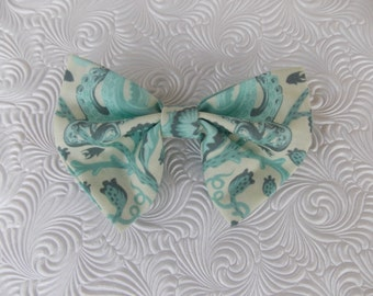 Nuatical themed bowtie.