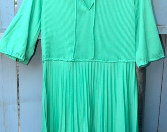1960s 60s Teal Pleated Dress