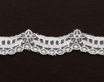 Vintage White Scalloped Lace Trim 1/2 inches wide 3 Yards