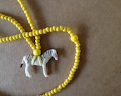 The Mama Necklace Zebra Yellow