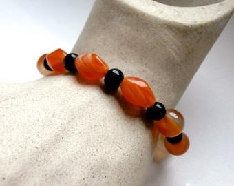 Onyx - Agate Bracelet - Upcycled Vintage Jewelry - Beaded Bracelet