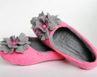 Felted  wool  women slippers / handmade house shoes / ecological felt slippers for woman  Size UK 5 US 7.5 EU 38