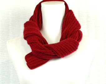 Cashmere scarf.   Red  .