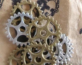 Gear Embellishments , 10 Wheel Charms,  Steam Punk Crafts