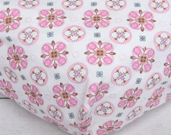 CLEARENCE - Pink Small Moroccan Crib Sheet