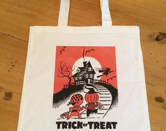 1 Tote Bag - Trick or Treat Halloween Candy Bag - Trick or Treaters Halloween Night - Retro - Vintage - Haunted House Bag 15x16