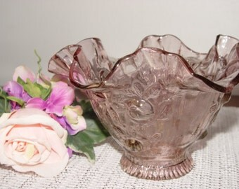 Vintage glass shade beautiful clear pink .sculpted, Clear pink glass lamp or candle shade