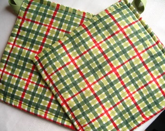 Christmas Gift; Fabric Potholders; Red and Green Plaid Pot Holders; Heat Resistant Potholders