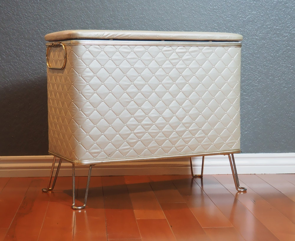 RED-MAN Vintage Clothes Hamper Storage Bench Or Basket