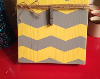 Distressed Wood Chevron Photo Frame with Twine and Clip (grey gray yellow)
