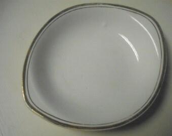 Vintage Fine China by KT&K - S-V - P.E.E. - White with gold trim bowl