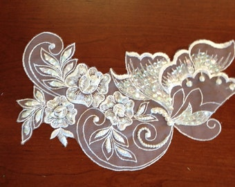4 Piece Set of Venice Lace and Baby Pearl Applique