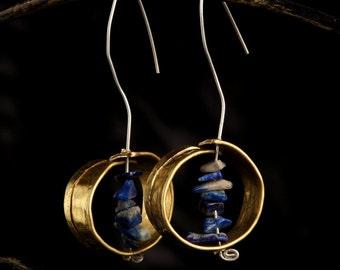 Circular earrings with stones