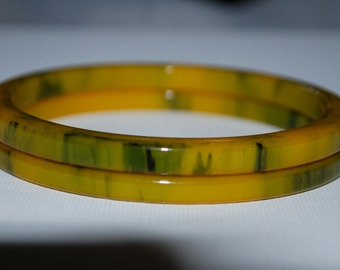 Vintage Butterscotch and Spinach Swirl Bakelite Bangle bracelet
