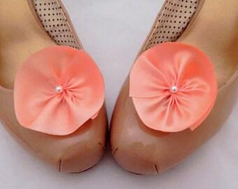 Flower shoe clips, peach shoe clips, peach silk flower shoe clips, coral bridesmaid accessory, shoe accessories, peach wedding
