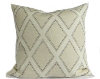 Pillow Sarah Richardson Kravet Fabric, Brookhaven, Highpoint, Oyster Grey
