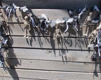 6' Skeleton Garland- Halloween Garland- Skeleton Fabric Garland- Halloween Decor- Skeleton Swag- Skull Garland- Skeleton Burlap Garland