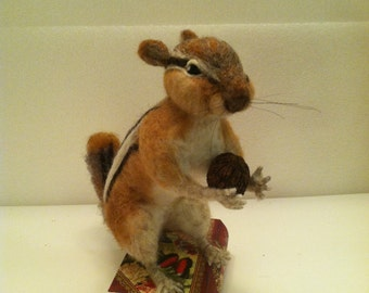 Needle felted Chipmunk, Wool Animal, Life size