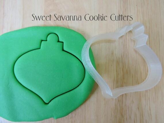 Cortador de galletas de Navidad adorno n º por SweetSavannaCookies