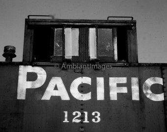 Southern Pacific Caboose 1213 - Photographic print - wall art - black white - vintage -Home Decor