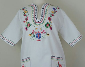 70s Embroidered Shirt White Floral Pockets Unisex