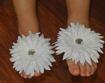 Barefoot sandals,  flower sandals, Infant. Baby toddler sandals, baby gift, baby shoes, white flower sandals